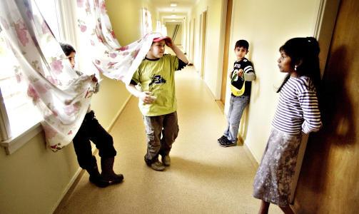 - SVIKTER ASYLBARNA: - Hvorfor fortjener ikke disse barna den samme omsorgen som andre. Det m� begrunnes, sier Randi Reese til Dagbladet. Dette bildet ble tatt p� Veumal�en asylmottak i Fredrikstad i 2006. Foto: JOHN TERJE PEDERSEN