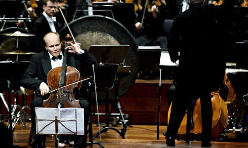 ETTERTRAKTET SOLIST: M�rk spiller her med Oslo-Filharmonien. Foto: Nina Hansen/Dagbladet