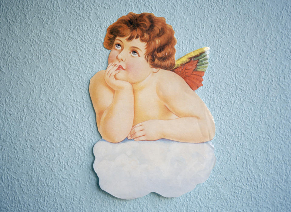SLIK SER M�RTHAS ENGEL UT: Dette er en av englene som er med i den nye boka til prinsessen. Men forfatterne understreker at engler kan v�re s� mangt: - Englene har uendelige former og fasonger. De kan komme til oss som et lys, i menneskeskikkelse, i dyreskikkelse, som englene p� et glansbilde eller som et kj�rlighetsfylt n�rv�r, skriver forfatterne. Foto: SCANPIX