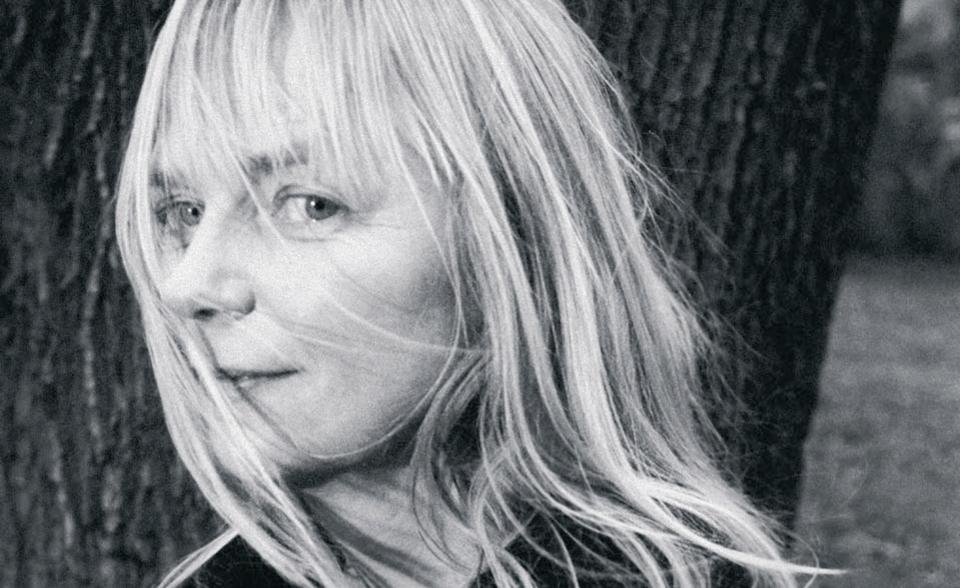JUBILANT: Marit Tusvik debuterte med dikt i 1979, og har siden skrevet over 20 b�ker. Foto: Espen Tollefsen/Oktober forlag
