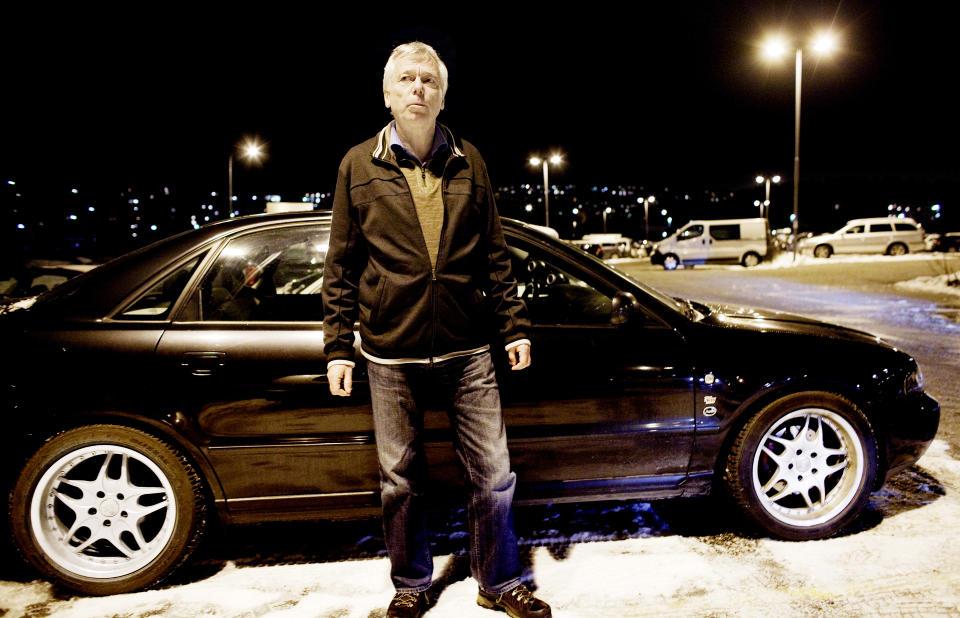 STJAL REGISTRERINGSNUMMER: På denne parkeringsplassen på Lørenskog sto bilen til Geir Fossheim (60) parkert i begynnelsen av november. Torsdag 12. november ble den lagt ut for salg på Finn.no. Foto: Espen Røst/Dagbladet