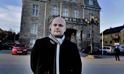HOLDT TALE I BEGRAVELSEN: Bengt Eidem. Foto: Krister Sørbø/Dagbladet