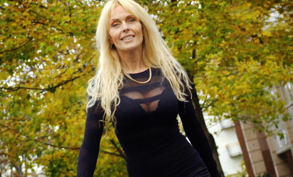 NY HOLLYWOOD-FRUE:  TV Norge spiller for tiden inn �Ja, vi elsker Hollywood� i USA, hvor de blant annet f�lger Lillian M�ller. Foto H