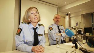 PRESSEKONFERANSE: Politiadvokat Heidi Mel� og etterforskningsleder Geir Ole Momyr holdt i dag pressekonferanse om drapet av en 29 �r gammel kvinne. En 24 �r gammel studentnabo er siktet for forsettlig drap. Foto: Hans Arne Vedlog