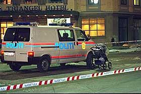 BARNEVOGN: Barnevognen ble st�ende igjen p� fortauet da d�dstrikken begynte � g�.