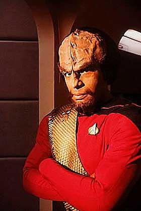 SNAKKER KLINGON: Fra Star Treks Next Generation. Michael Dorn her som en skapning fra ytre rom.