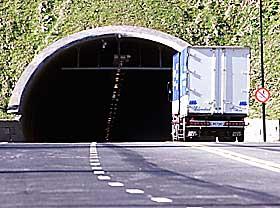 OVERSVØMMES? Natt til lørdag eller lørdag morgen stoppet pumpene i Oslofjordtunnelen å virke. Resultatet er at tunnelen kan bli oversvømt.