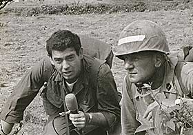 EN LANG KARRIERE: Her jobber Rather i felt under Vietnamkrigen i 1965.