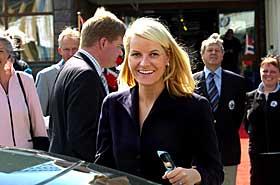 TIDLIGERE RAMA-AMBASSADØR: Kronprinsesse Mette-Marit skapte ramaskrik da hun ble sammen med Haakon og snakket ut om den ville fortida si. Nå er det ingen som hever øyenbrynene om hun blir gravid en gang.