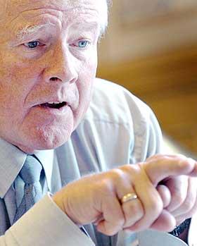 BEDRE � V�RE HOMO?: -  Jeg skj�nner ikke hvorfor homofile skal feire sin legning, sier Carl I. Hagen.