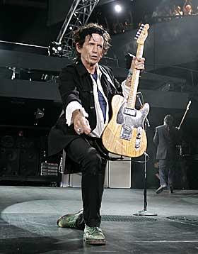 LEVER MOT ALLE ODDS: At Keith Richards lever ikke har kollapset, anses ...
