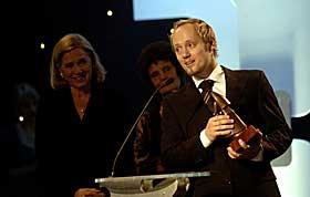 BESTE REGI: En overrasket Aksel Hennie fikk prisen for beste regi for sin film �Uno�.