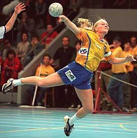 SÆBØE I LUNNER: Den tidligere Bækkelaget-spilleren Siv Heim Sæbøe spiller denne sesongen i Lunner. Hun kommer fra Cercle Dijon Bourgogne.