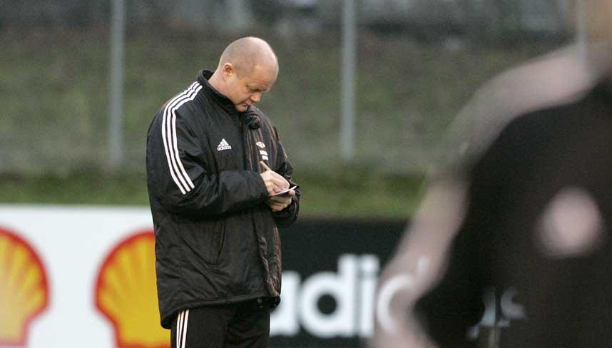 STUDERER:  RBK-trener Per-Mathias H�gmo.