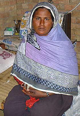Drepte sine fire d tre for rens skyld utenriks for Bano rehmat muzaffarabad