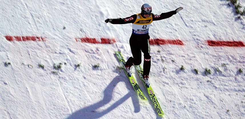 TIL TOPPS: Lars Bystøl gikk til topps i Innsbruck. Seierens var hans første i verdenscupen.