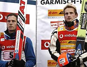LIKE GODE: Janne Ahonen og Jakub Janda må dele seieren i Hoppuka.