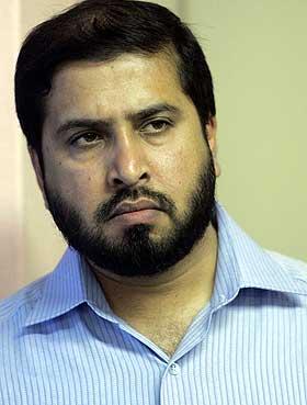 S�RET: Ikhlaq Ahmad ved i Islamic Cultural Centre mener muslimer vil s�rge over at bildene er publisert.