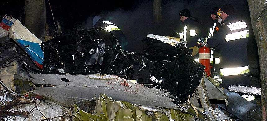 LETEARBEID: Redningsmannskaper har til nå funnet en overlevende etter flyulykken.