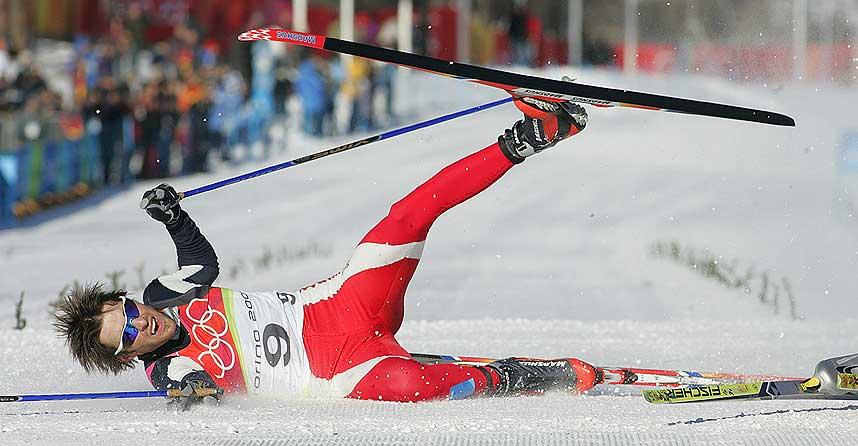 RULLET OVER MÅL: Magnus Moan slo lagkamerat Petter Tande med en tånegl og tok bronsemedaljen i kombinert.