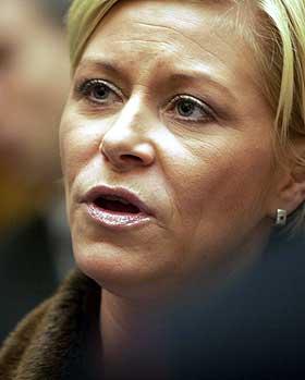 VINNER: Siv Jensen og Frp er blitt Norges st�rste parti, if�lge enkelte meningsm�linger den siste tiden.