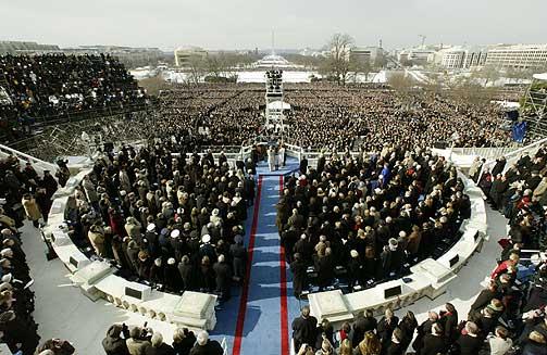 ANTITERROR: Under innsetningen av Bush for hans andre presidentperiode fryktet man at terrorister ville benytte fly, fjernstyrte fly eller raketter. Det skulle det norske rakettsystemet beskytte mot. Systemet er fremdeles i drift i den amerikanske hovedstaden.