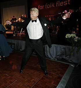 HAGEN UTE AV DANSEN P� landsm�tet i Frp forrige helg danset Hagen seg ut av formannsvervet.