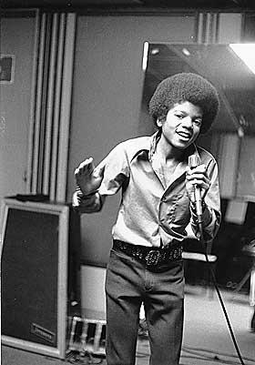 MENS ANDRE HAR AFRO: Som Michael Jackson (men ikke n� lenger).