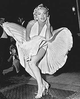 MUTASJONER SKAPER FORSKJELLER: Forskerne mener f� og enkle mutasjoner kan ha f�rt til at noen er blonde (men ikke Marilyn).