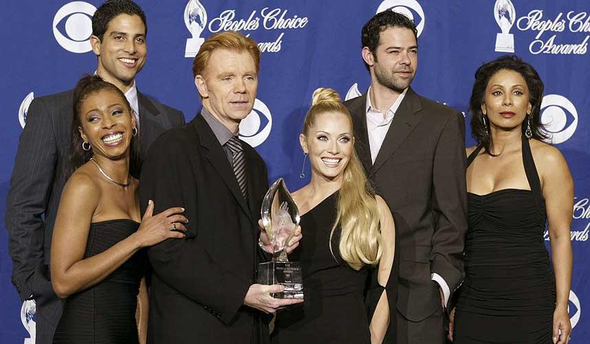 ST�RST I VERDEN: �CSI Miami� er verdens mest popul�re tv-serie. Fra venstre: Khandi Alexander, Adam Rodriguez, David Caruso, Emily Procter, Rory Cochrane og Wanda De Jesus.