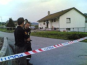 SKUTT OG DREPT: I dette huset i Moi i Rogaland ble kvinnen funnet hagledrept i formiddag.