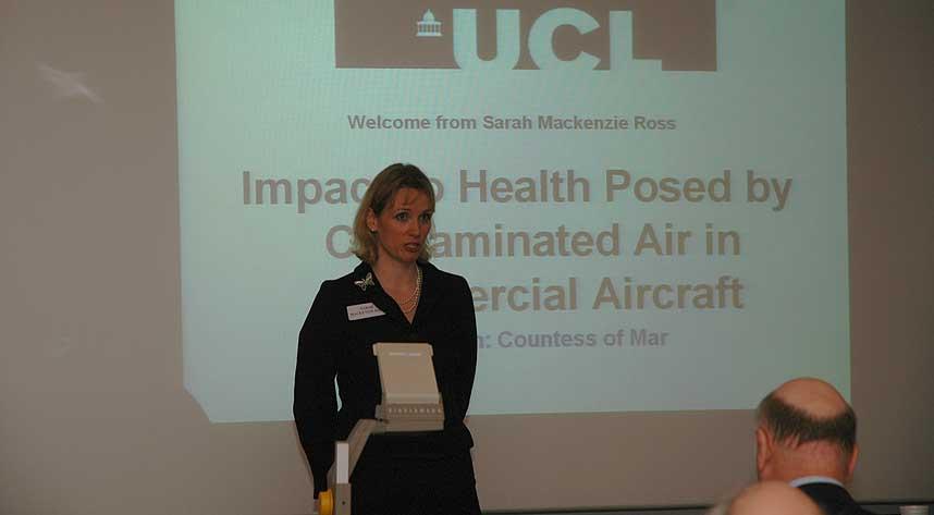 SLÅR ALARM: Nevropsykolog Sarah MacKenzie Ross ved University College i London har funnet tegn til forgiftning hos en rekke piloter.
