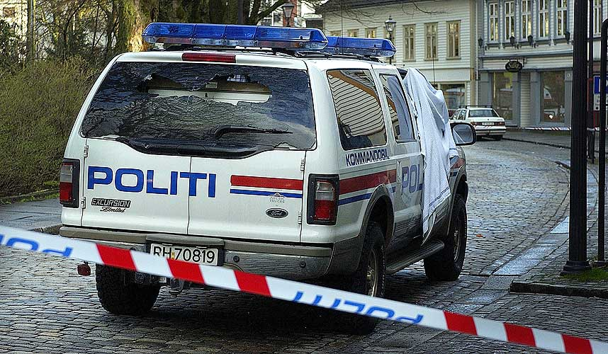 SKUTT UNDER RANET: Kommandobilen der Arne Sigve Klungland satt ble skutt på under ranet.