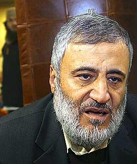 TAR IKKE ANSVAR: Den danske imamen Ahmad Abu-Laban var sv�rt sentral under protestb�lgen som munnet ut i voldelige demonstrasjoner. Ett �r etter at karikaturene ble trykket i Jyllands-Posten tar han ikke ansvar for krisen som oppstod.