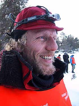 HUNDESPANN OG SJØLBERGING: Her er Bjørn Gabrielsen med på Femundløpet, som altså er et hundeløp.