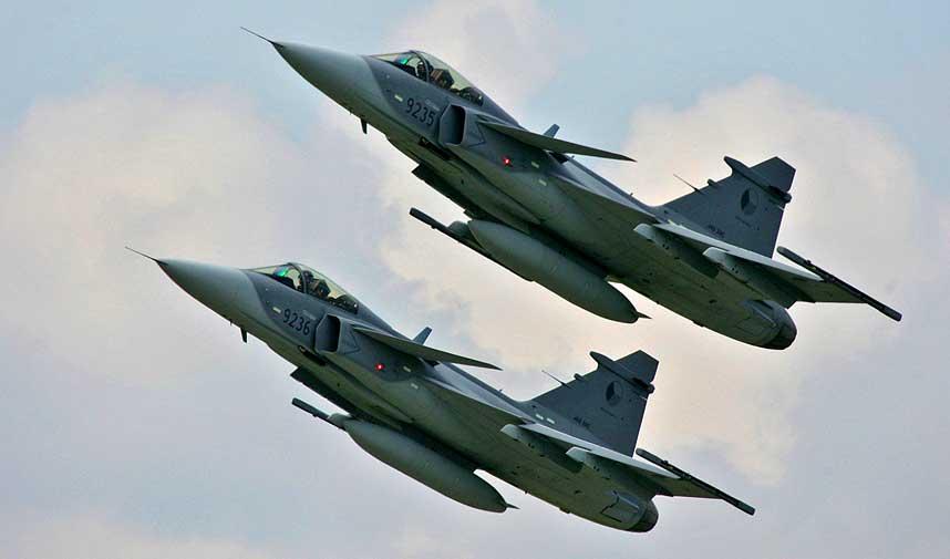 SVENSKE JAS-GRIPEN:  Både JAS-Gripen og Eurifighter er å foretrekke framfor det amerikanske, skriver  forsvarsekspert John Berg.