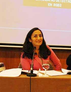 MUSLIMSK FEMINIST: Asra Q. Nomani har laget islamsk rettighetserkl�ring for kvinner i soverommet.