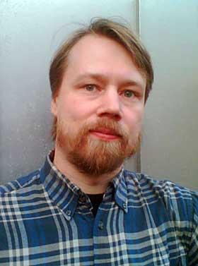 SAVNET TOLKIEN P� NYNORSK: Eilev Groven Myhren har oversatt �Ringenes herre� - eller �Ringdrotten�, som boka heter i hans spr�kdrakt.