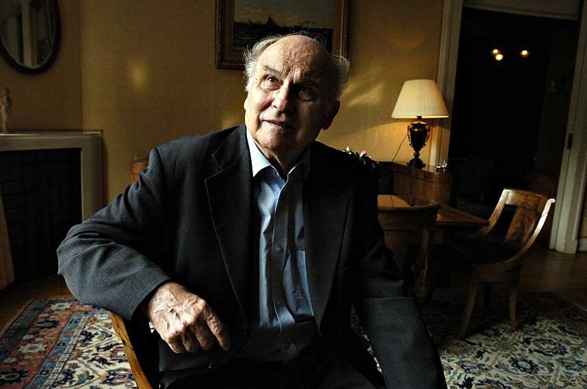 EN LEGENDE: Både blant journalister og litterære feinschmeckere var Ryszard Kapuscinski (1932-2007) en legende. Som ingen andre har han beveget seg i konfliktfylte områder og skildret bakgrunnen for kriger og revolusjoner. Ryszard Kapuscinski er død.