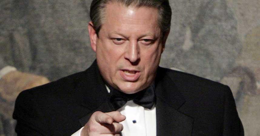 MILJ�FILM: Tidligere visepresident Al Gore er nominert til Nobels fredspris 2007. Han ga i fjor ut filmen �En ubehagelig sannhet� som setter fokus p� verdens klimaendringer.
