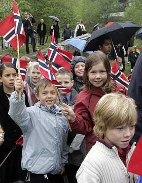 SKÅRER ALLER MEST: I undersøkelser av det generelle tillitsvået i 86 land kommer Danmark, Norge, Sverige og Finland på de fire første plassene.