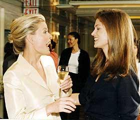 Cindy og jeg:  -  Cindy Crawford er en god venninne. F�r jeg skulle gifte meg, holdt Revlon eget bryllupsshow med masse gjester.