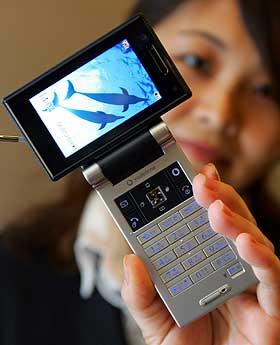 VIDEO OG TV: Japanernes mobilbruk er mer avansert enn den er i Vesten. Blant annet er tv og video på mobil blitt suksesser i landet.