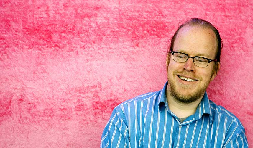 SVARER DEG: Montpellier-bosatte John Arne S�ter�y skal delta p� Comics Expo 2007 i Oslo i helgen. F�rst svarer han p� lesernes sp�rsm�l.