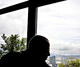MIN BY: - Jeg er definitivt veldig glad i Oslo, sier Nesbø.