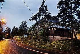 HOLMENKOLLEN: Harrys gamle samboer Rakel har en trevilla i åsen på vestkanten.