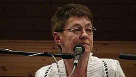 HUSKER GODT: Svanhild Hartvigsen husker godt hva som skjedde 5. juni 1932. Hun synes det er trist at ekspertene tviler p� historien hennes. Her fra 75-�rsjubileet.