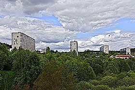 UTSKJELTE GRORUDDALEN I 2005: Dalen der blokkene har 14 etasjer, er både elsket og hatet. Groruddalen dekker mange bydeler som skårer ulikt på levekårsindeksene.