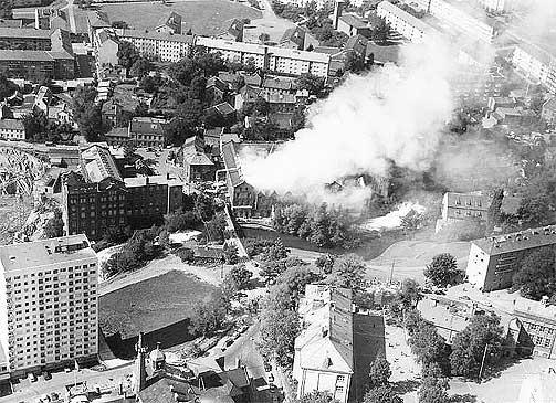 GRÜNERLØKKA 1960: I dag er industrien lagt ned og mange av de med dårligst levekår er flyttet ut. Oslo indre øst har blitt dyrt og hipt, mens grupper med dårlige levekår har flyttet ut i drabantbyene.