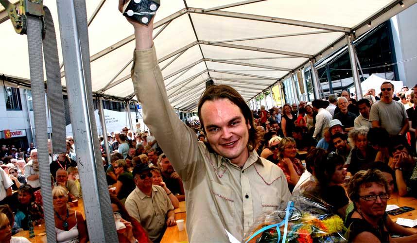 KUNNE HATT EN BEDRE JOBB: Prisvinner pianisten Morten Qvenild mente han kunne hatt en bedre jobb hadde det ikke vært for Kongsberg jazzfestival.
